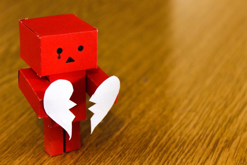 La imagen tiene un atributo ALT vacío; su nombre de archivo es broken-heart-love-sad-14303.jpg